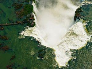 iguazu-falls-brazil-argentina_46571_600x450