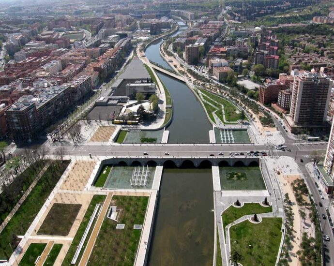 is there a river in Madrid
