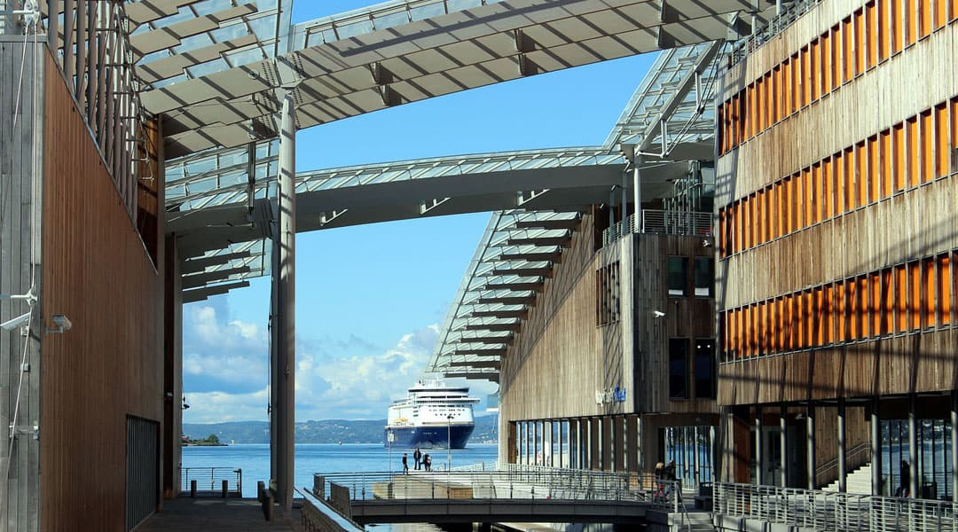 Visit Oslo's exclusive harbor district – Tjuvholmen and The Thief