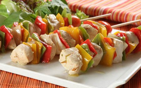 Skewers chicken with vegetables