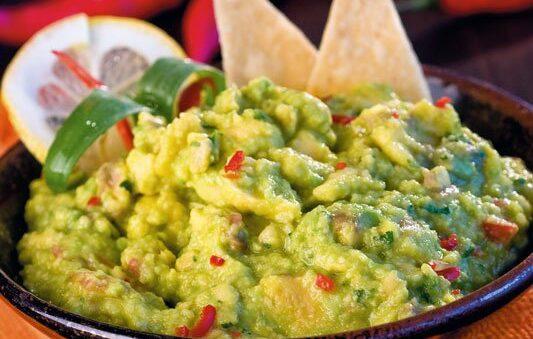 How to prepare a Mexican Guacamole