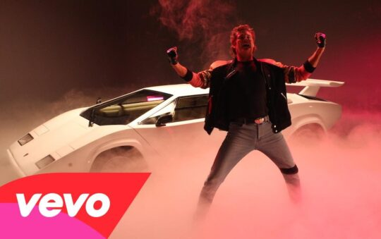 David Hasselhoff Takes the 1980's Back