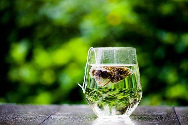 4 Reasons Why You Should Drink Green Tea Every Day