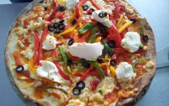 Delicious Vegetarian Pizza Recipe that will Give the Needed Weekend