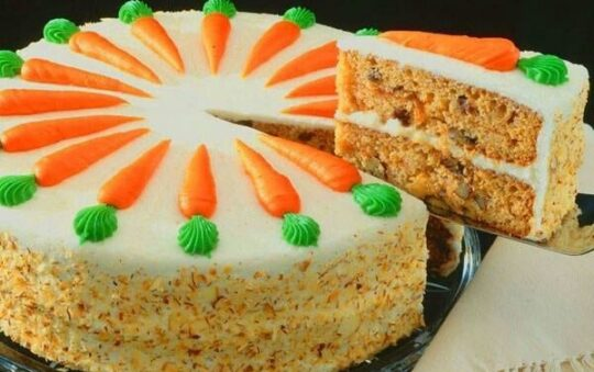 Surprise your friends with a delicious Carrot cake