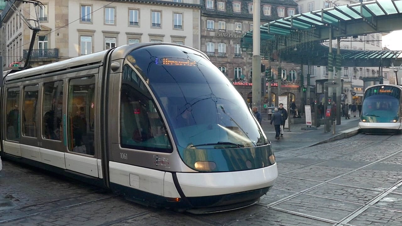 strasbourg connects its tram network with germany distrita. Black Bedroom Furniture Sets. Home Design Ideas