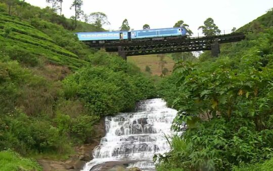Going by train in Sri Lanka, Asia is a Xtravaganza Xperience