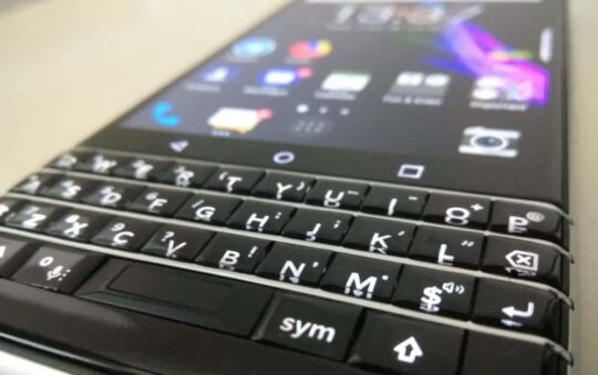 Buy Android Smartphone with Qwerty Keyboard and start Writing a lot Today