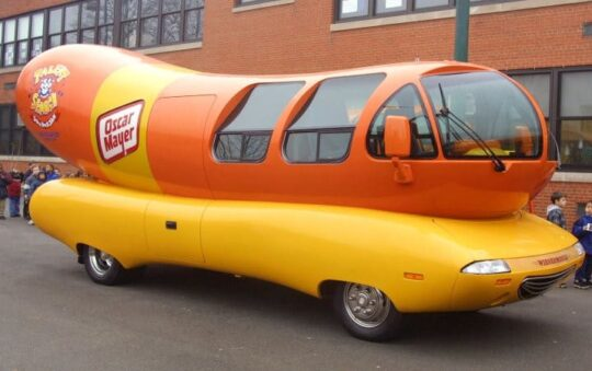Book One Night in a Hot Dog Wagon