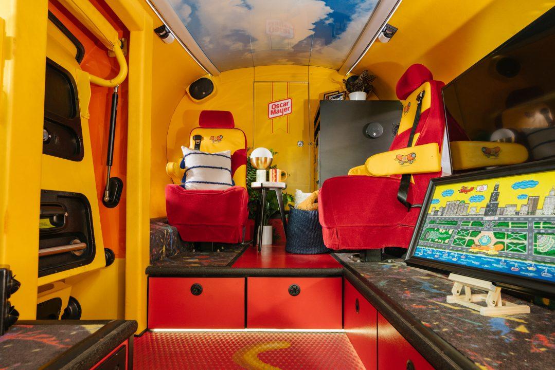 hot dog airbnb, hot dog house