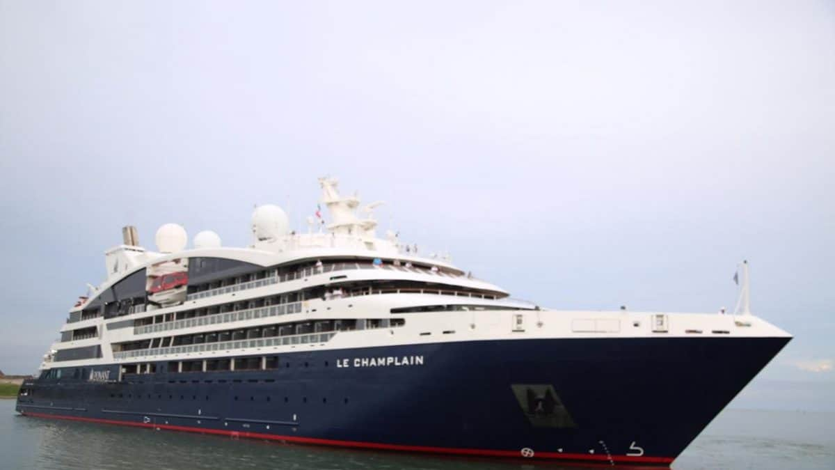 Explore French kitchen onboard Le Champlain in Mexico 1