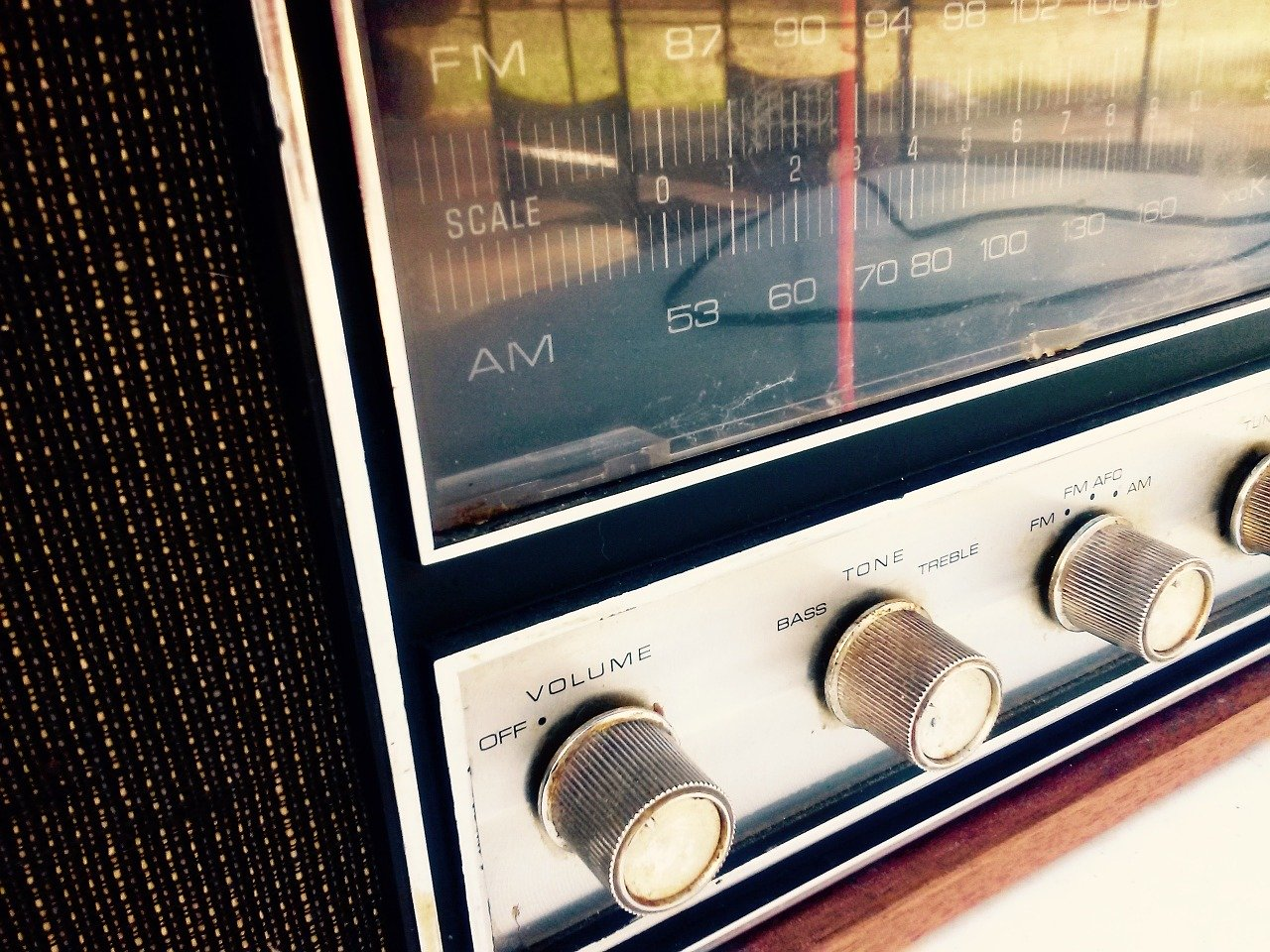 Radio208 on 1440 kHz AM Broadcasts 24 Hours 3