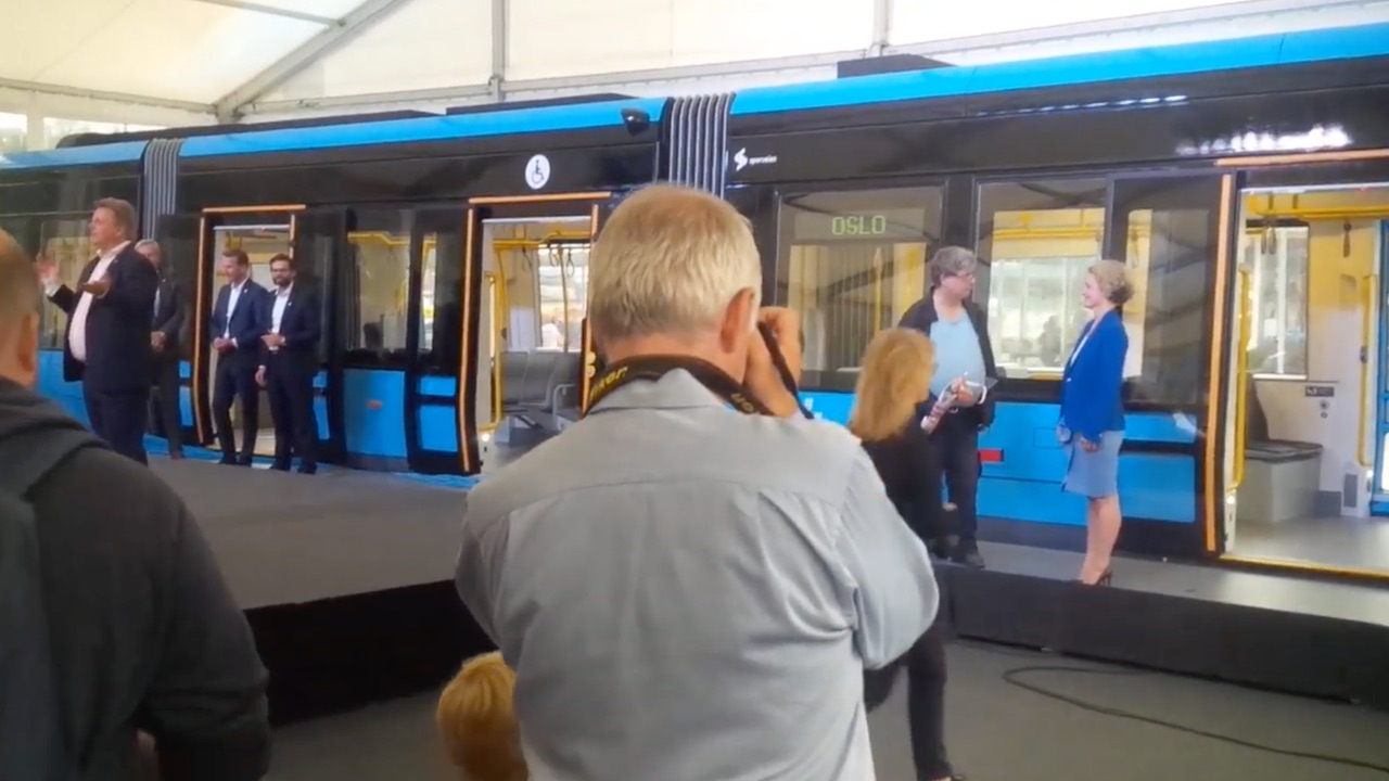 New CAF trams for Oslo capacity is 220 passengers 1