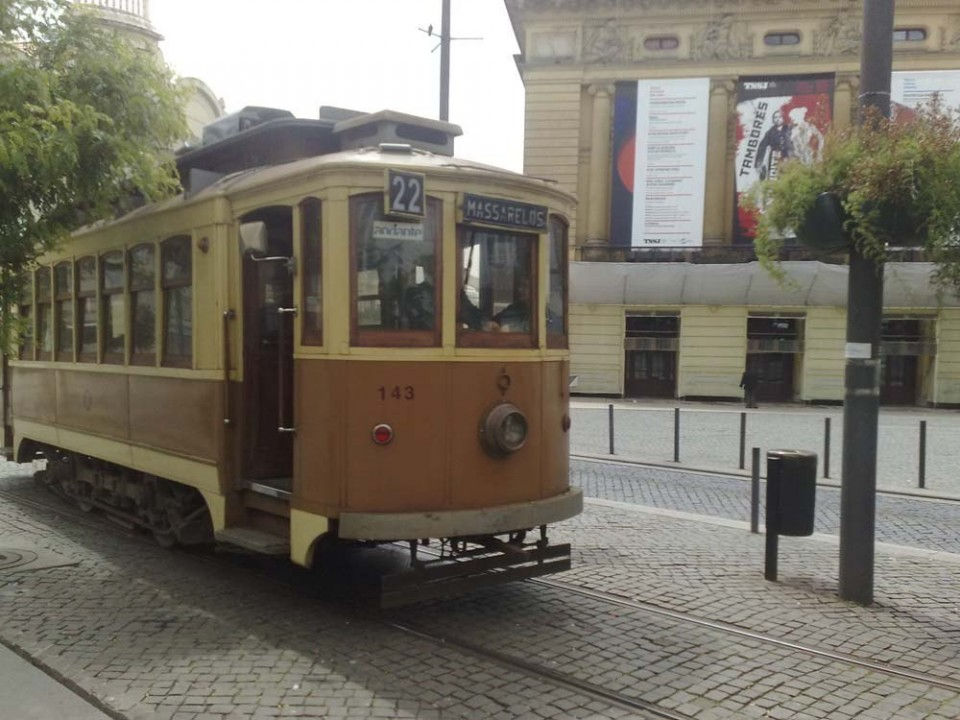 Check out the New and Old Trams in Porto 8