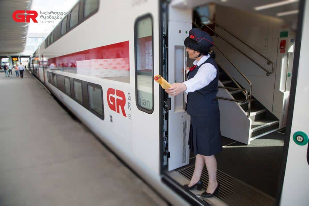 5 Helpful Tips On How To Travel By Train In Georgia 3